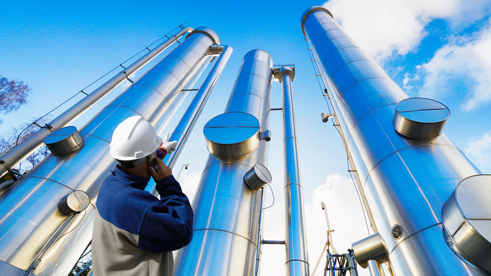 Why the oil and gas sector needs to stay alert to cyber security threats